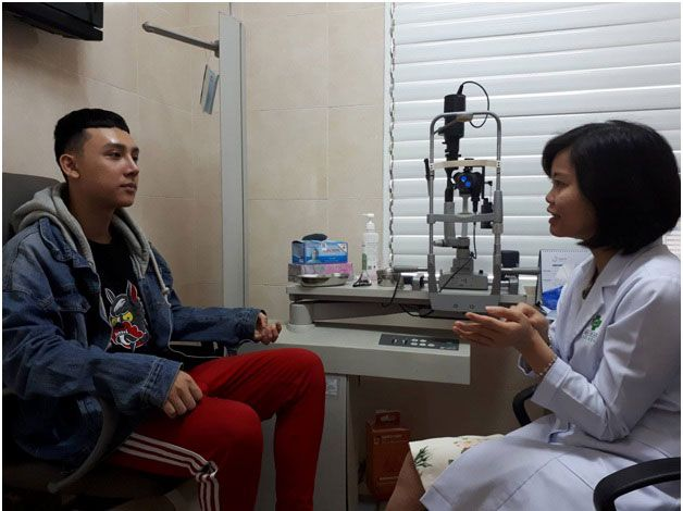 Hotboy của Vietnam's Next Top Model 6 trùng tu lại đôi mắt