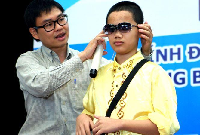 phục hồi thị giác cho người khiếm thị